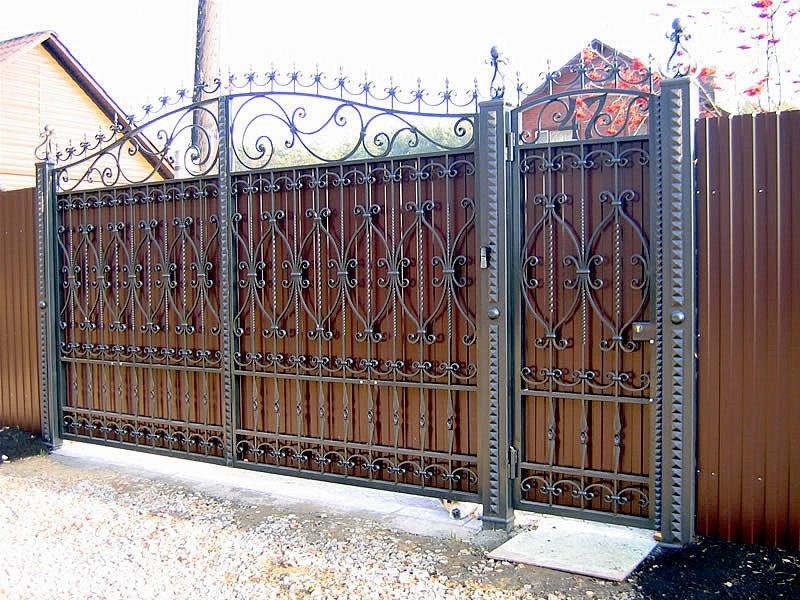 Ворота своими руками с элементами ковки фото